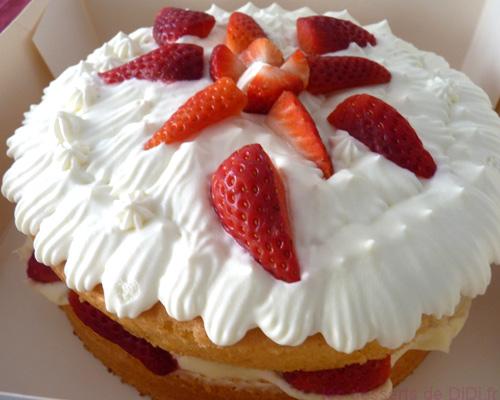 Le gâteau fraise chantilly